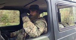 Pratybos gąsdina žmones, iš aptvarų pabėgo gyvūnai – kariuomenė teigia privalanti treniruotis gyvenvietėse