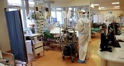 COVID-19 skyriuose – ir skiepą gavę pacientai: medikai aiškina, kaip tai nutinka