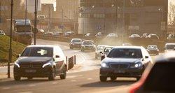 Pasakė, kiek automobilio taršos mokesčio kasmet sumokės vidutinis lietuvis