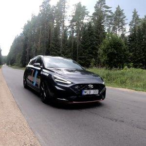 """""""Hyundai i30 N"""" – puikiai valdomas, bet charakteringas hečbekas"""