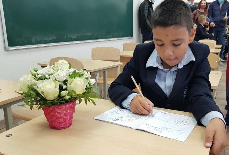 Kristinos Košel-Patil sūnus šį rugsėjį pradėjo lankyti bendrojo ugdymo mokyklą. Asmeninio archyvo nuotr.