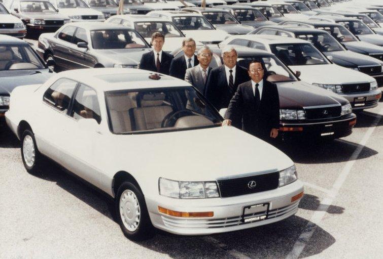 """1989 metų rugsėjo pirmomis dienomis buvo parduotas pirmasis """"Lexus"""" automobilis.  (nuotr. Gamintojo)"""