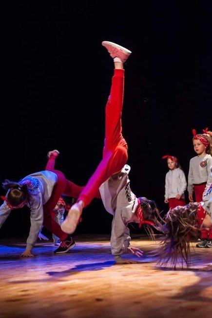 Agnės dukra ketverius metus lanko gatvės šokių būrelį Asmeninio archyvo nuotr.