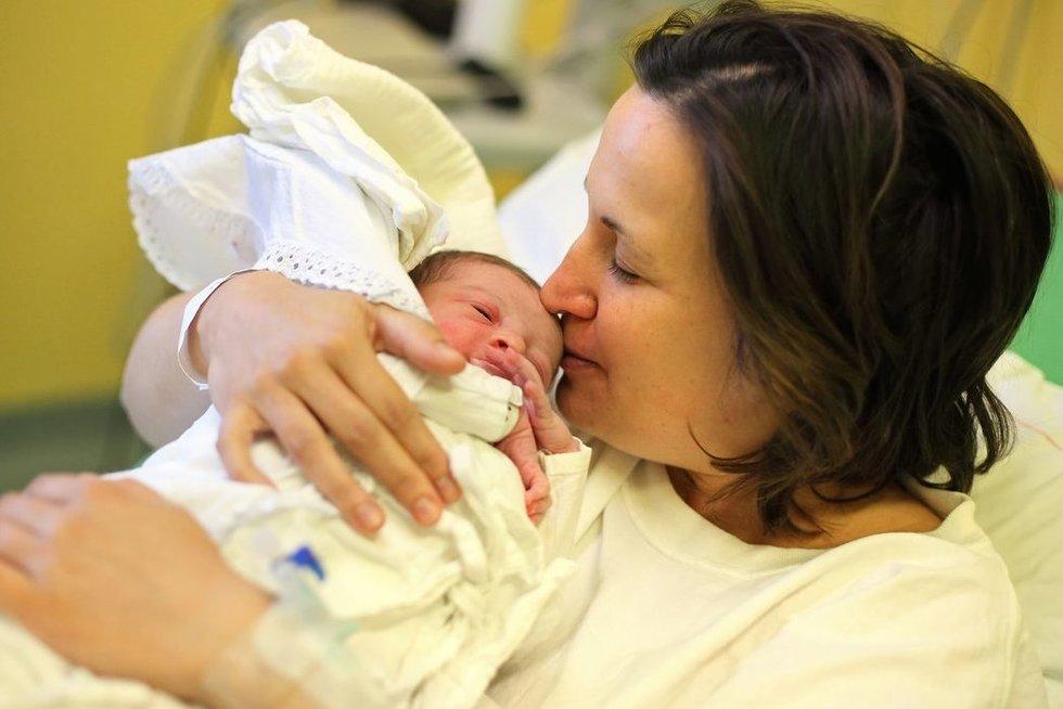 Mama ir naujagimis (nuotr. 123rf.com)