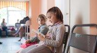Siunčia įspėjimą tėveliams dėl profilaktinės vaikų patikros: kaip būdavo anksčiau, kai prie durų rikiuojasi eilė, nebebus (nuotr. 123rf.com)