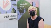 """Šimonytė paskiepyta 2-ąja """"AstraZeneca"""" vakcinos doze (nuotr. Fotodiena)"""