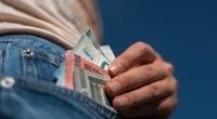 Pinigus galima prarasti ir iš sąskaitos banke (nuotr. Fotodiena/Justino Auškelio)