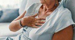 Skausmas krūtinėje: įvardijo, kada verta sunerimti