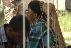Sujudimas nelegalų stovykloje: 16-metė migrantė galimai patyrė persileidimą, kita moteris – priešlaikinį gimdymą