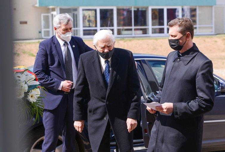 Į paskutinę kelionę išlydimas profesorius Kęstutis Vitkus (nuotr. Fotodiena/Justino Auškelio)