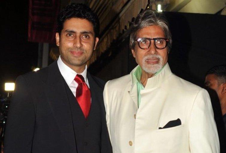 Amitabh Bachchanu ir jo sūnus (nuotr. SCANPIX)