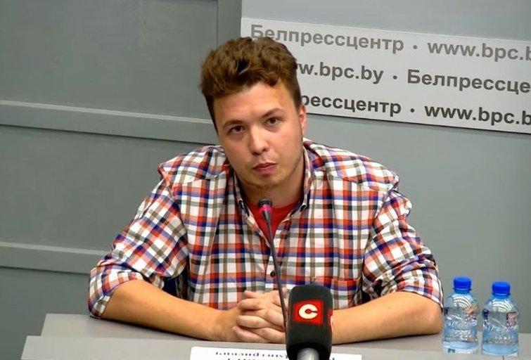"""Minsko atsakymai apie """"Ryanair"""" skrydį: pasirodė ir Pratasevičius (nuotr. YouTube)"""