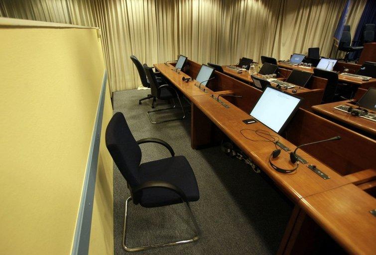 Jau greitai: Hagos tribunolo kėdė, kurioje nenori atsidurti niekas (nuotr. SCANPIX)