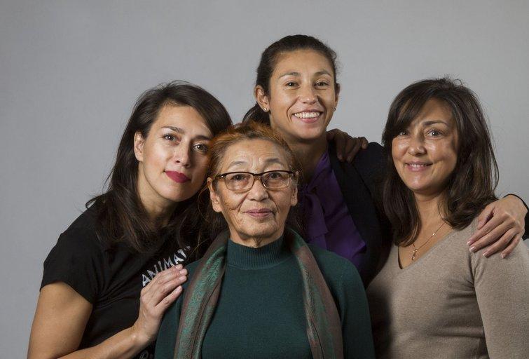 Rūtos mama Galina su anūkais (nuotr. Organizatorių)