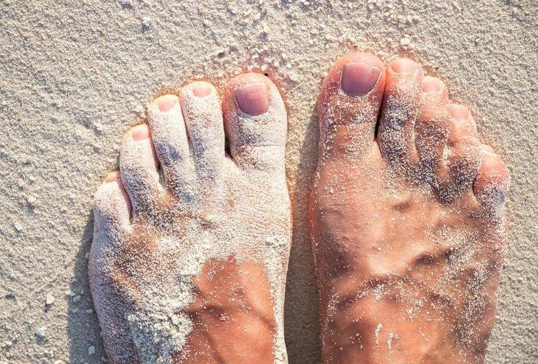 Smėlėtos pėdos (nuotr. 123rf.com)