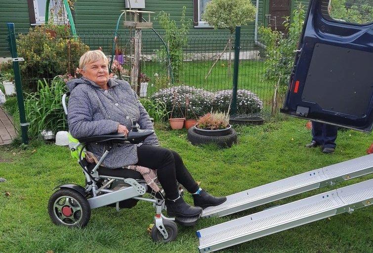 Pagėgių savivaldybės neįgaliųjų draugija teikia pavėžėjimo paslaugas. Pagėgių savivaldybės neįgaliųjų draugijos archyvo nuotr.