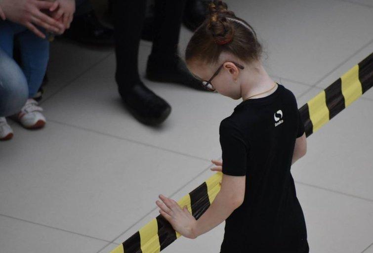 """Vaikų teatro kolektyvo """"Perliukai"""" (Sumų kraštas, Ukraina) spektaklis """"Be ribų"""", skirtas autistiškiems vaikams palaikyti. Festivalio organizatorių archyvo nuotr."""