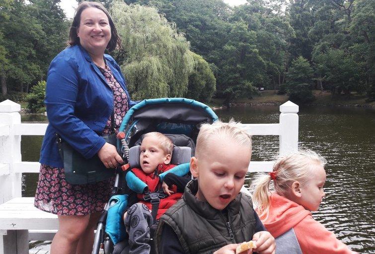 Daiva Dovydaitienė su savo vaikais: Paulium, Augustu ir Kotryna.  (nuotr. asm. archyvo)