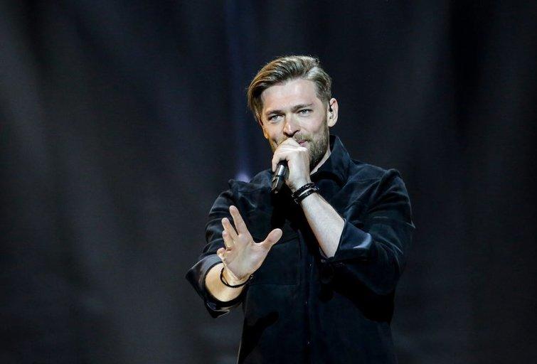 Jurijus Veklenko Eurovizijos scenoje (nuotr. Thomas Hanses)