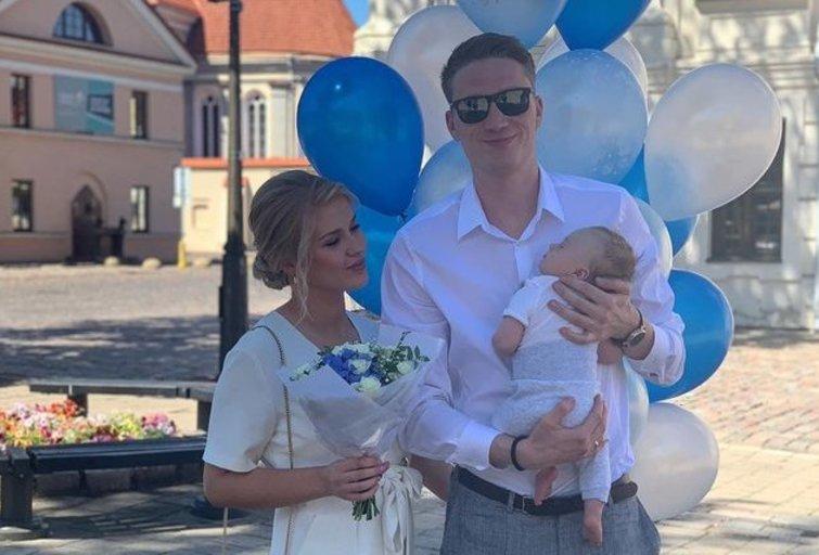 Marius Grigonis su žmona Salomėja pakrikštijo sūnų (nuotr. Instagram)