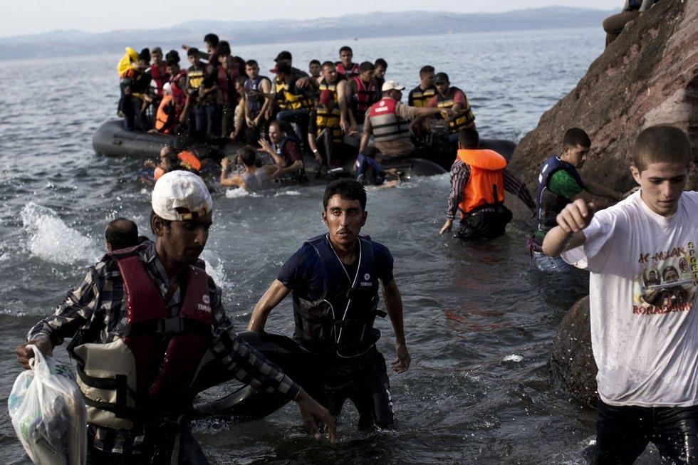 Graikijos krantus pasiekia pabėgėliai