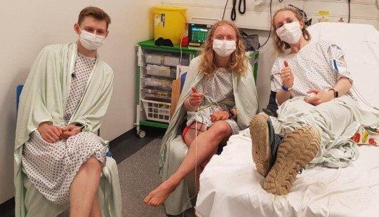 Šeima negalėjo patikėti: žaibas trenkė į brolį ir dvi jo seses