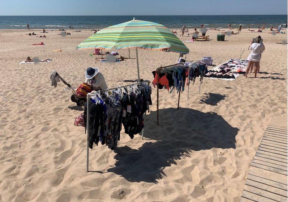 Palangos moterų paplūdimyje veikia turgelis