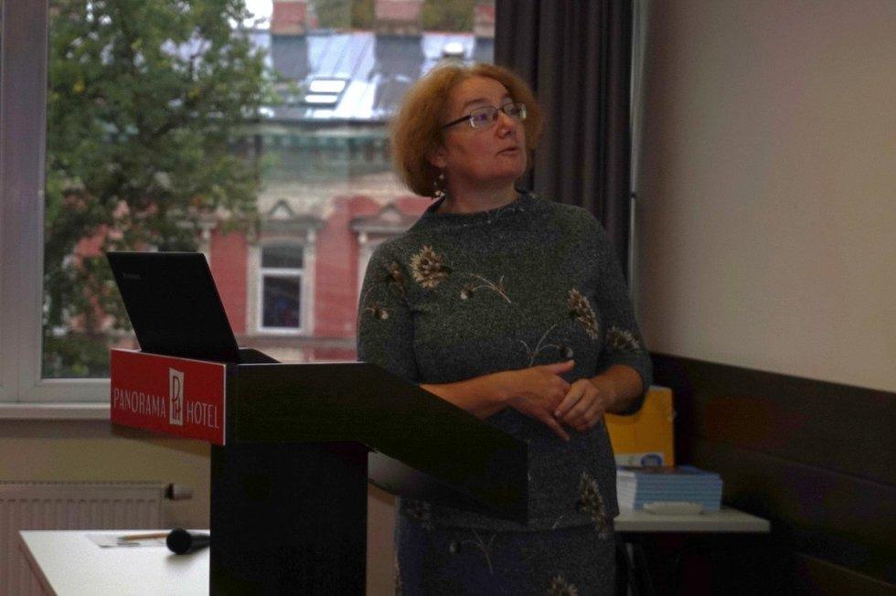 """Socialinių inovacijų instituto ekspertė Ingrida Gečienė pristatė tyrimą """"Nevyriausybinių organizacijų potencialas teikiant viešąsias paslaugas"""". Aurelijos Babinskienės nuotr."""