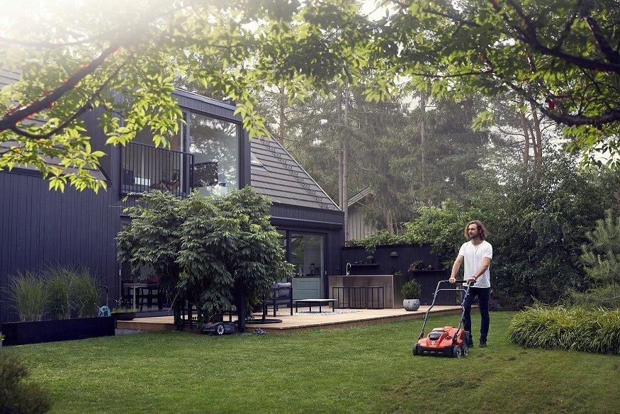 Žolės pjovimas (bendrovės nuotr.)