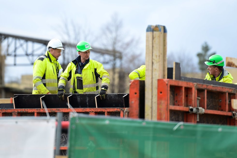 Darbas, statybos