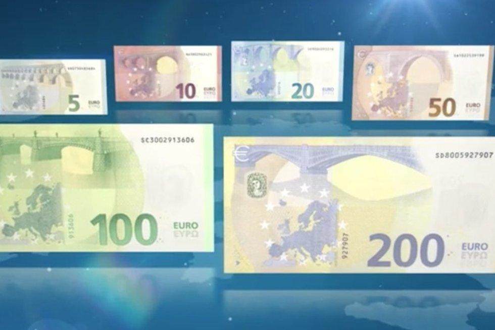 Nauji eurų banknotai (nuotr. stop kadras)