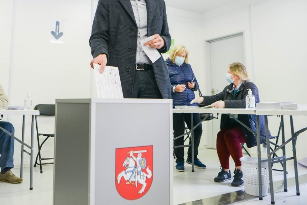 Remigijus Žemaitaitis balsuoja (fotodiena.lt nuotr.) (nuotr. tv3.lt)