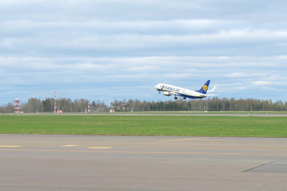 """Oro uostas, """"Ryanair"""" (nuotr. Fotodiena/Justino Auškelio)"""