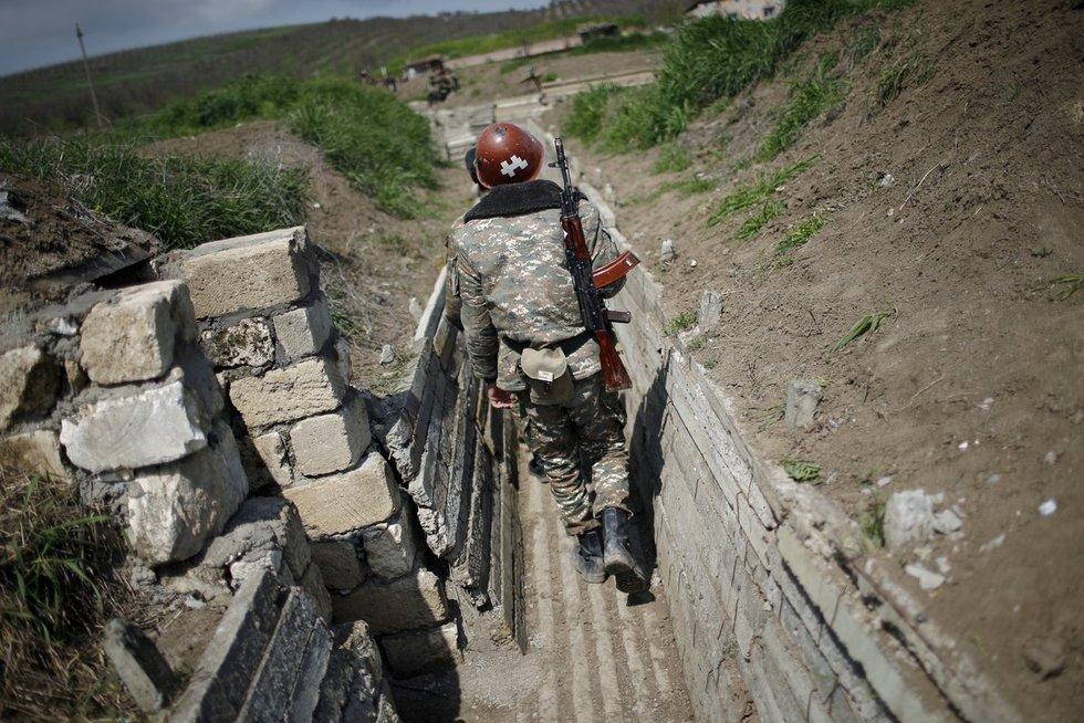 Karo pradžia tarp Armėnijos ir Azerbaidžano (nuotr. Scanpix)