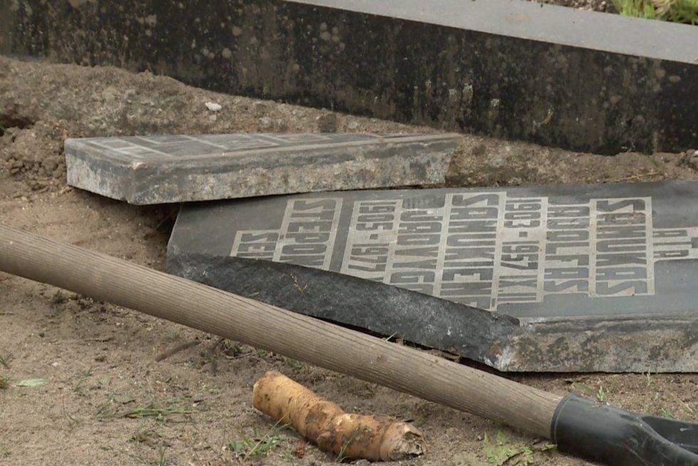 Brangstant medžiagoms, brangsta ir antkapiai: 1000 eurų kapui neužteks (nuotr. stop kadras)