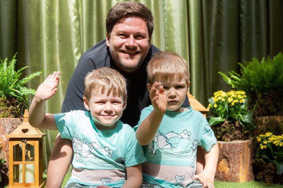Merūnas Vitulskis su vaikais (Fotobankas)