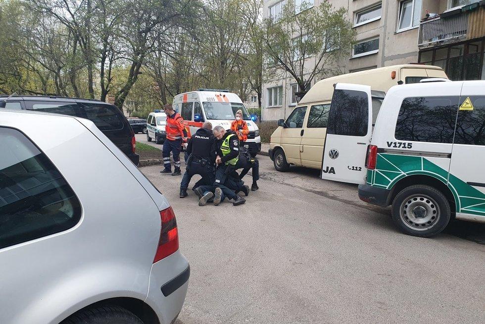 Incidentas sostinėje – vyriškis grasino susprogdinti gyvenamąjį namą (nuotr. Broniaus Jablonsko)