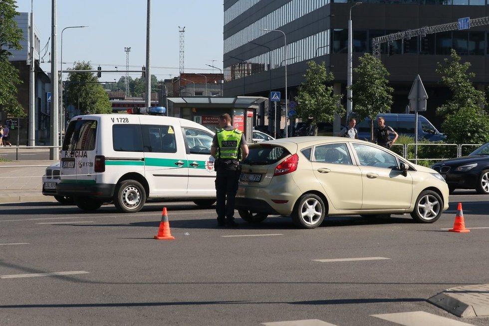 Nelaimė Naugarduko gatvėje (nuotr. Broniaus Jablonsko)