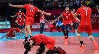 Rusijos salės tinklininkai po įspūdingo kėlinio žengė į žaidynių finalą