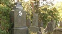 Mirusiųjų nuotraukos grimsta į praeitį: populiarėja naujos paminklų tendencijos (nuotr. stop kadras)