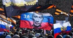 Rusija per 5 metus: įvedė cenzūrą, padovanojo valdžią Putinui ir dekriminalizavo smurtą buityje