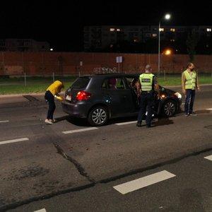 Avarija Vilniuje: judrioje gatvėje apvirto automobilis