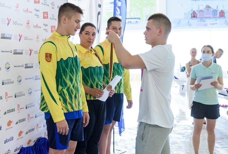 DanoRapšio šeimų plaukimo turnyre – garsaus plaukikošeimos triumfas (nuotr. Organizatorių)