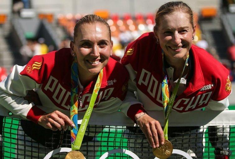 Jelena Vesnina (dešinėje). (nuotr. SCANPIX)