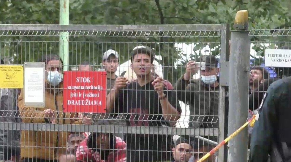 """Rūdninkuose protestuojantis pabėgėlis: """"Mano šalis yra geresnė nei šis gyvenimas"""""""