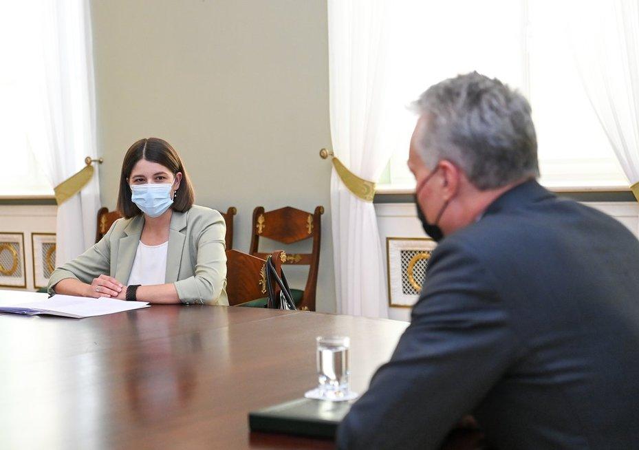 G. Nausėda susitiko su kandidate į finansų ministres G. Skaiste