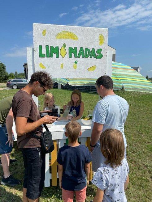 Draugių sugalvota idėja džiugina aplinkinius: atvažiuoja iš visų Vilniaus vietų