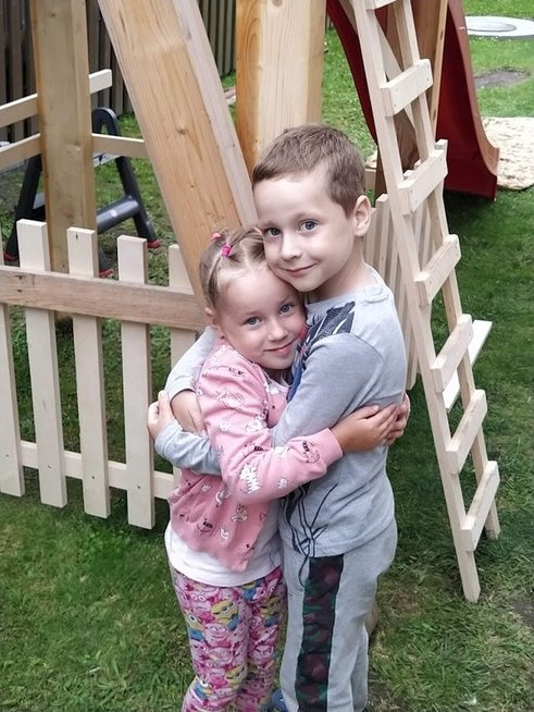 Arijus su sese Elija