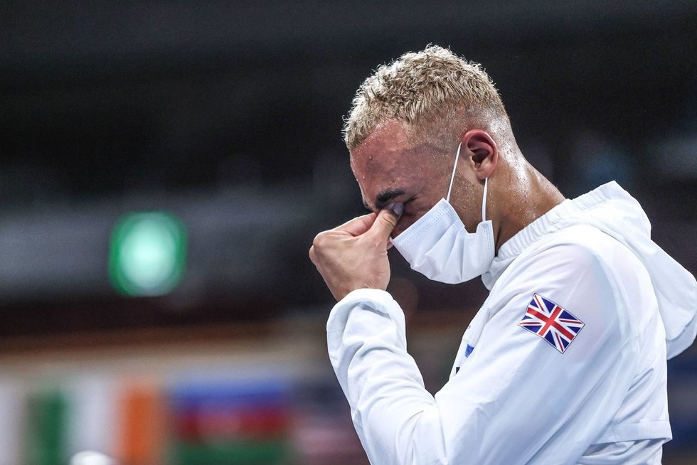 Britų boksininko akibrokštas – atsisakė užsikabinti sidabro medalį (nuotr. SCANPIX)