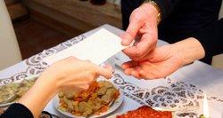 Kūčių vakarienė išsinešti: lietuviai užvertė užsakymais, negaili ir 90 eurų